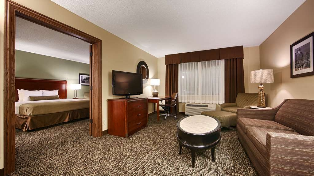 Best Western Plus Glenview-Chicagoland Inn & Suites - Suite- 1 King Bed
