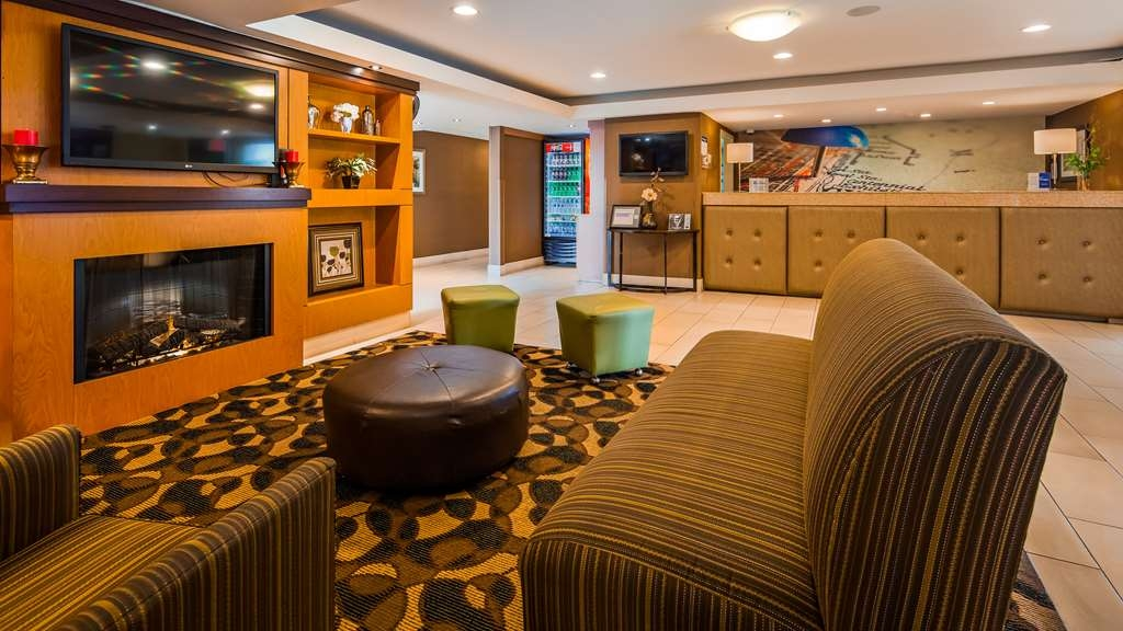 Best Western Plus Glenview-Chicagoland Inn & Suites - Lobby