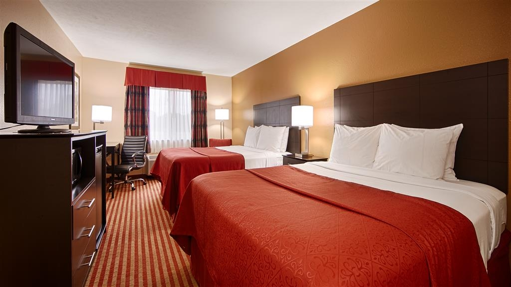 Best Western Jacksonville Inn - Bring your whole family along and book a two queen standard guest room.