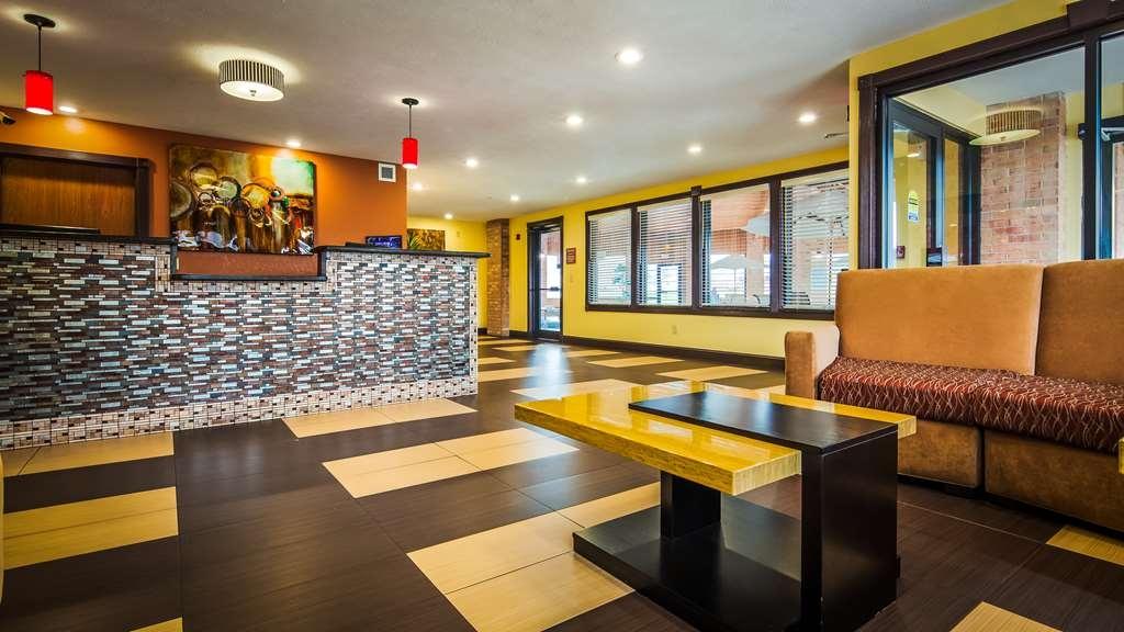 Best Western Jacksonville Inn - Vista del vestíbulo