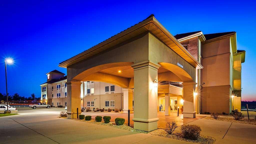 Best Western Plus MidAmerica Hotel - Aussenansicht