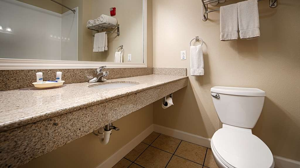 Best Western Plus Mascoutah/SAFB - Baño