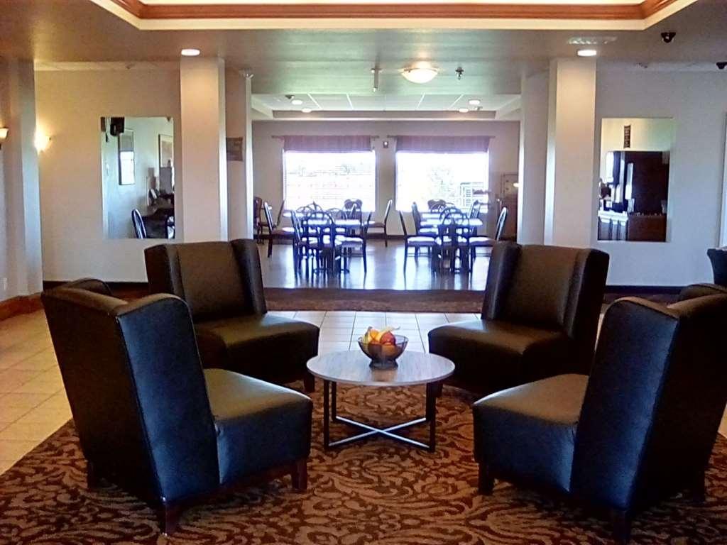 Best Western Plus MidAmerica Hotel - Hall