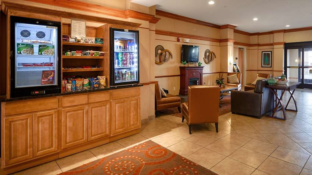 Best Western Plus Pontoon Beach - Breakfast Bar
