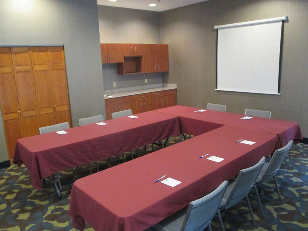 Best Western Troy Hotel - Need to schedule a meeting for business? We have space available for you and your clients.