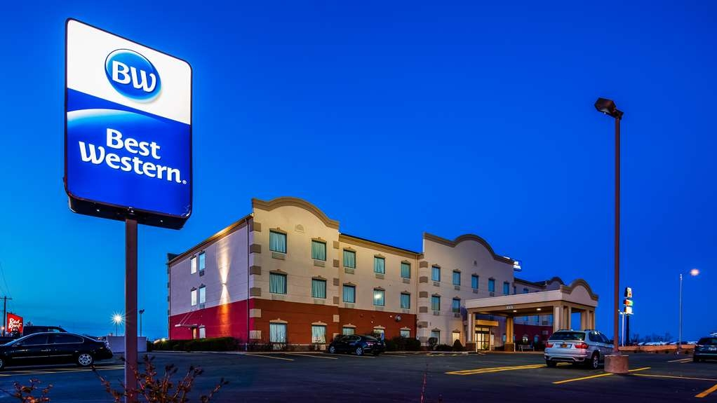 Best Western Troy Hotel - Exterior