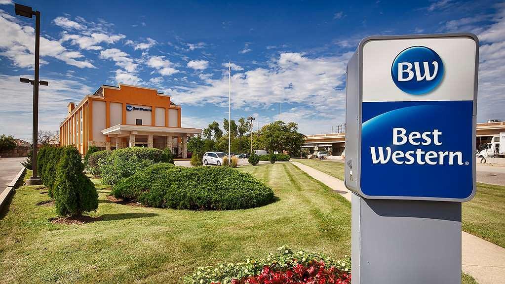 Best Western O'Hare North/Elk Grove Hotel - Aussenansicht