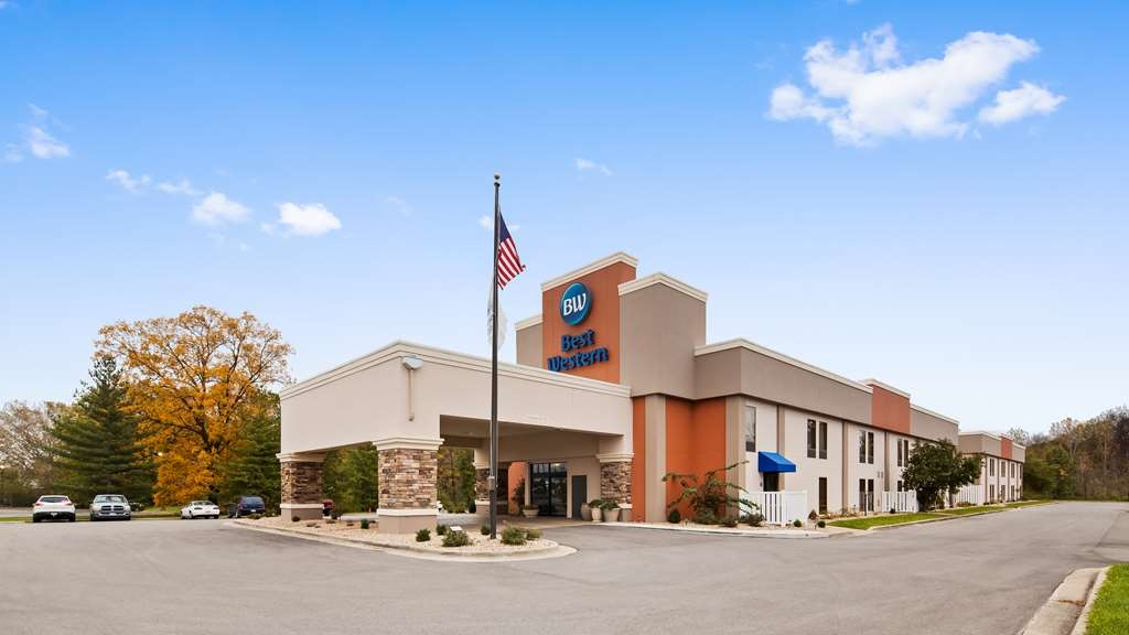 Best Western Delta Inn - Located right off I-57/70 at Exit 160, the Best Western Delta is 100% recently remodeled.