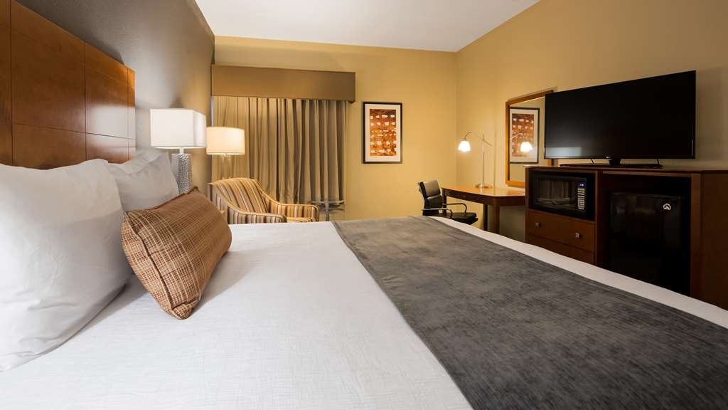 Best Western Delta Inn - Our standard king guest room offers the comforts of home with a few added amenities that will make your stay extra special.