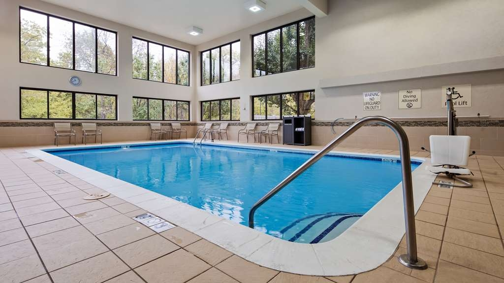 Best Western Delta Inn - Look at our large Olympic size indoor heated pool!
