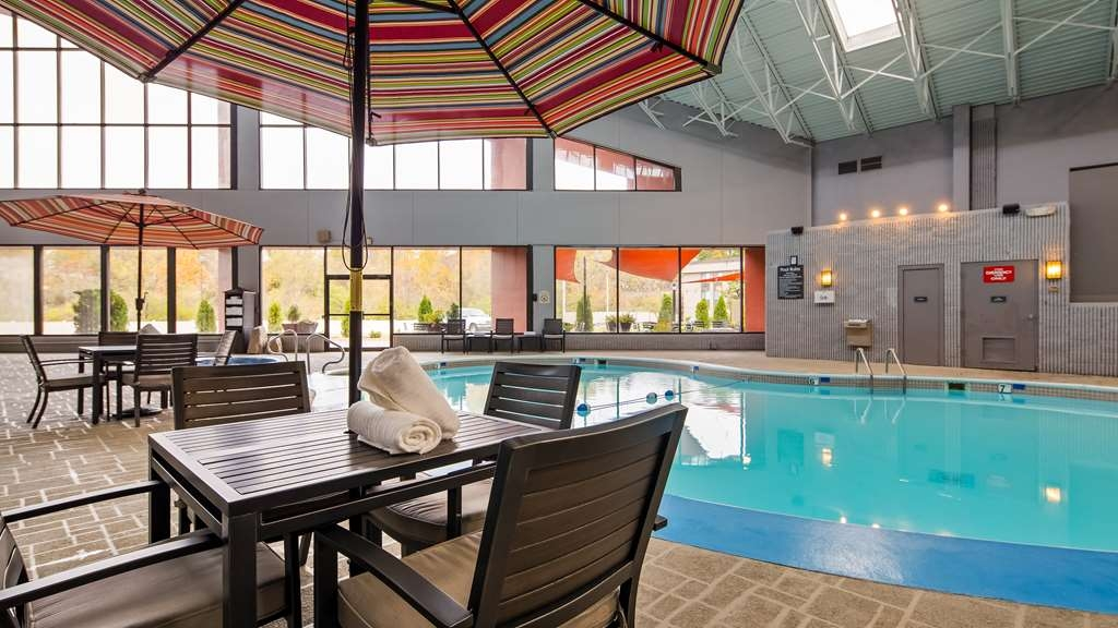 Best Western Premier Alton-St. Louis Area Hotel - Take a splash in the pool or relax in the whirlpool.