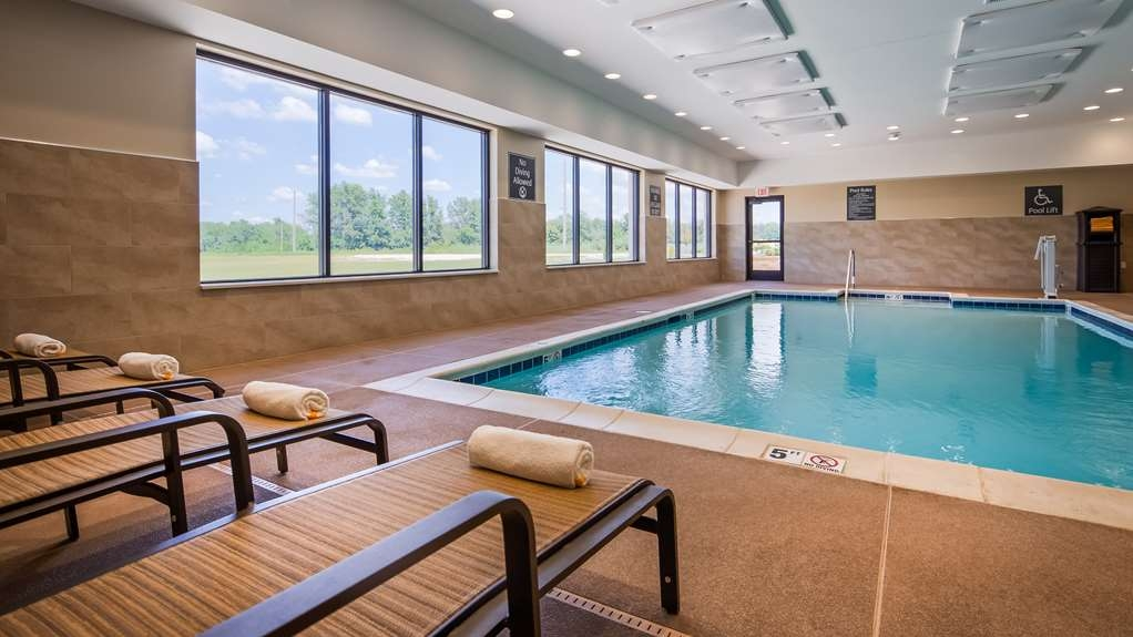Best Western Plus Centralia Hotel & Suites - Piscina