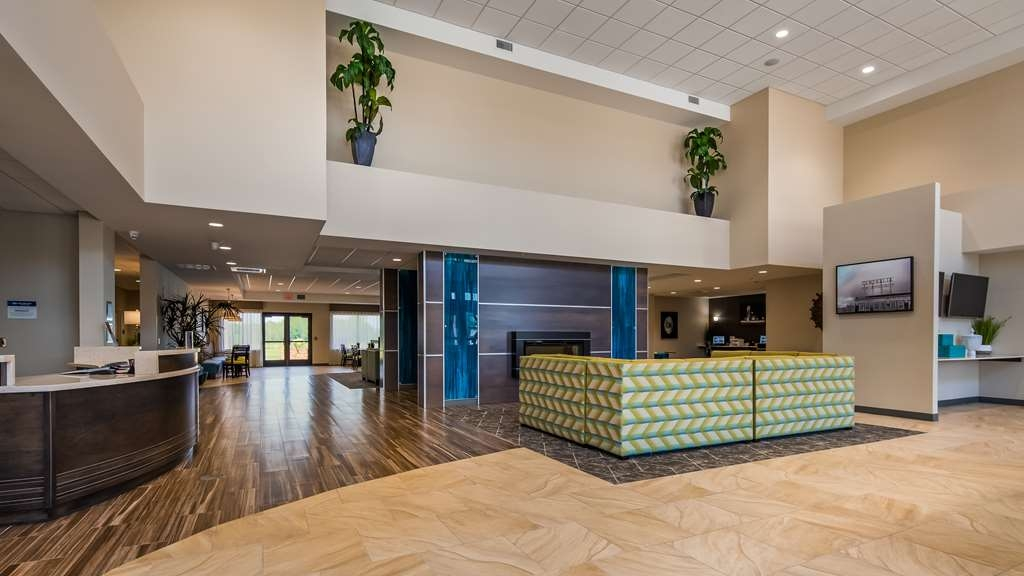 Best Western Plus Centralia Hotel & Suites - Hall