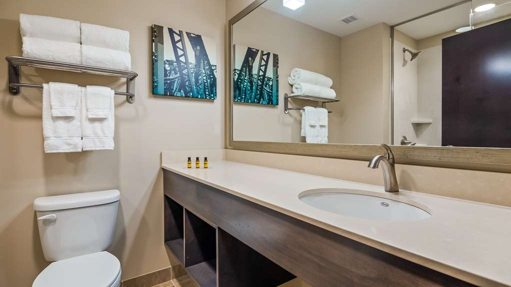 Best Western Plus Centralia Hotel & Suites - Guest room