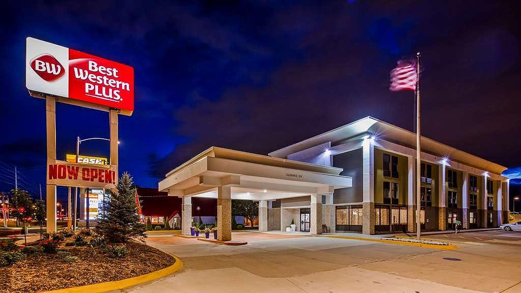 Best Western Plus Bloomington East Hotel - Aussenansicht