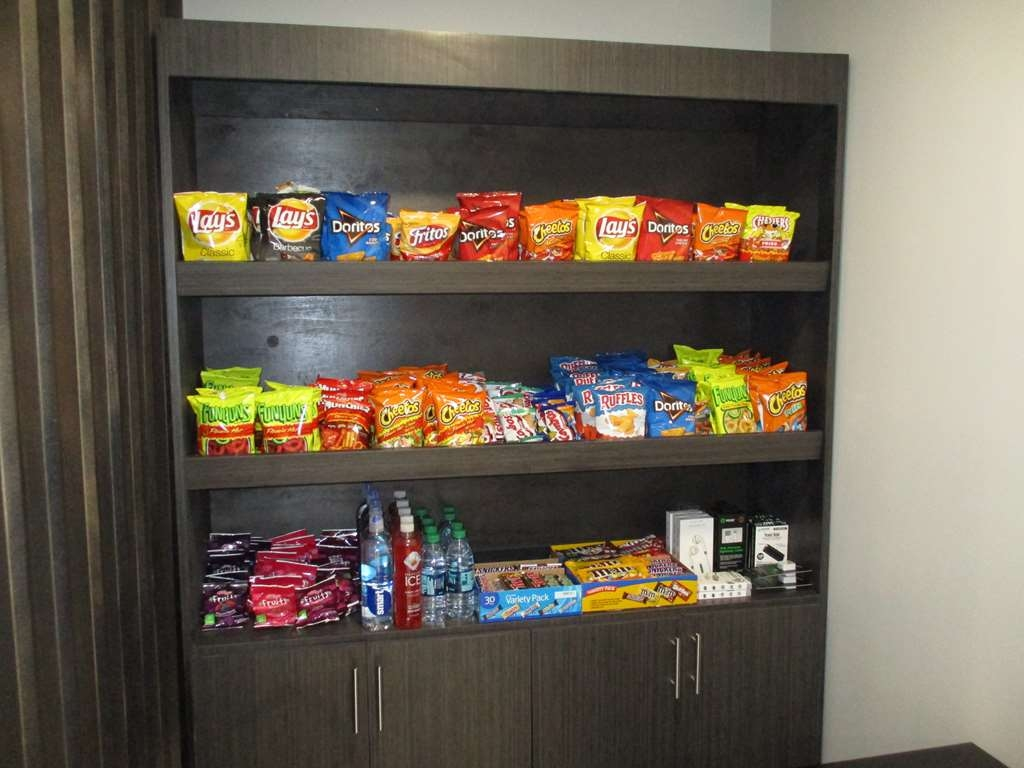Best Western Plus Bloomington East Hotel - Stock up on your favorite snacks at our Sundry Shop!