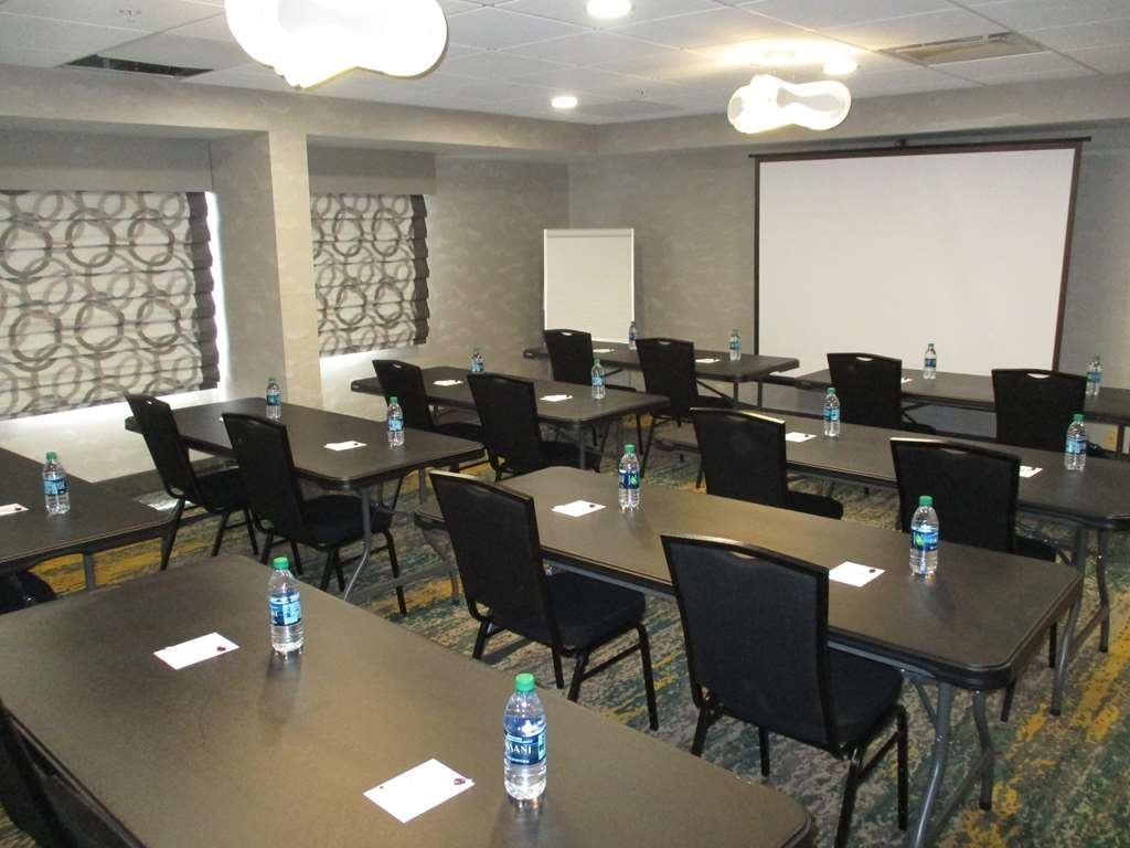 Best Western Plus Bloomington East Hotel - Need to schedule a meeting for business? We have space available for you and your clients.