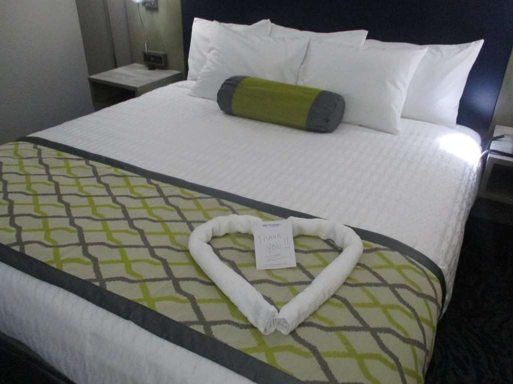 Best Western Plus Bloomington East Hotel - Our Guest Rooms are designed for corporate and leisure travelers alike!