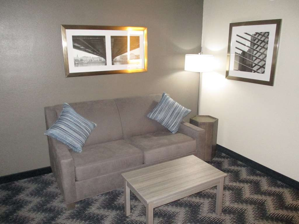 Best Western Plus Bolingbrook - Stretch out in our King Suite