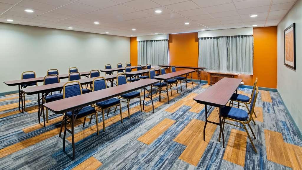 Best Western Plus Bolingbrook - Meeting Room