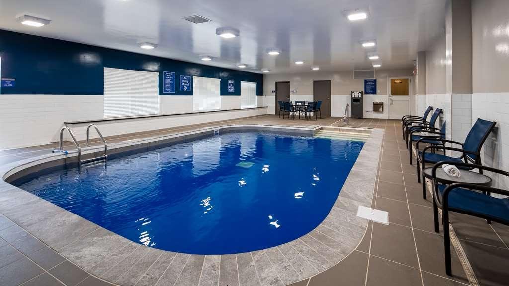 Best Western Plus Bolingbrook - Pool