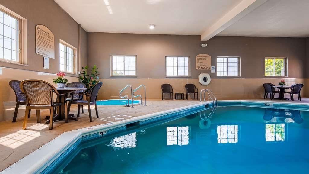 Best Western Plus North Joliet - Vue de la piscine