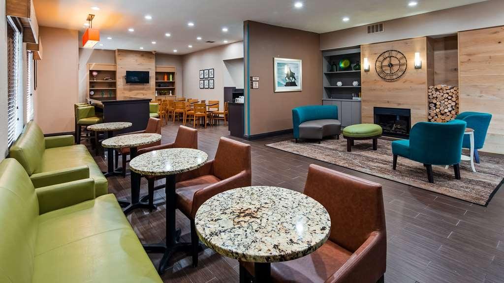 Best Western O'Fallon Hotel - Lobby