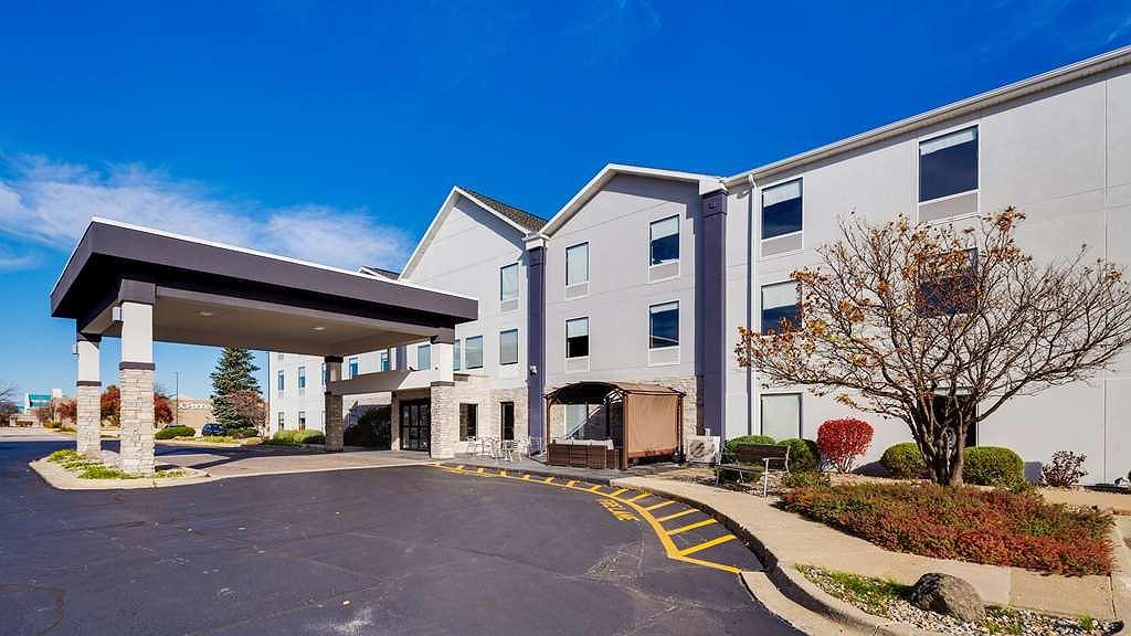 Best Western Plus Bourbonnais Hotel & Suites - Area esterna