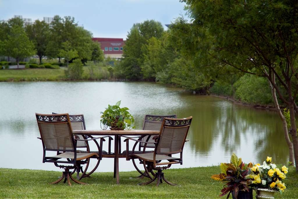 Best Western Luxbury Inn Fort Wayne - Relax at the pond and take in the lush landscaping surrounding the hotel.