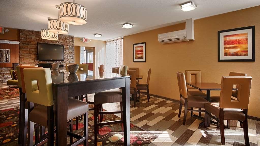 Best Western Luxbury Inn Fort Wayne - Restaurant / Etablissement gastronomique
