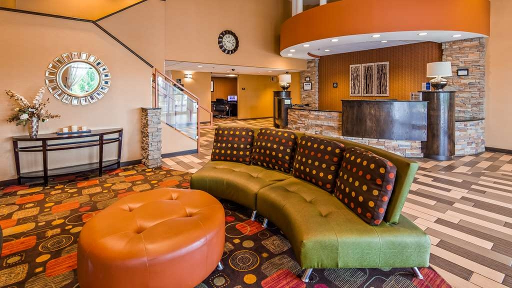 Best Western Luxbury Inn Fort Wayne - Hall
