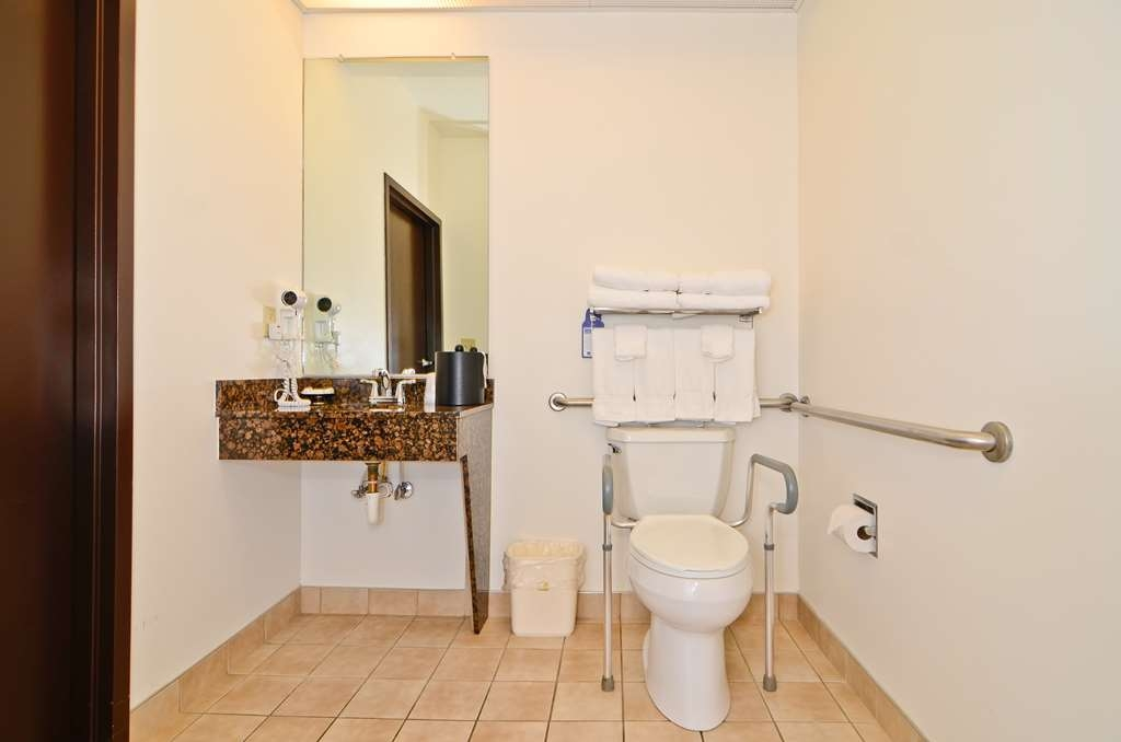 Best Western Plus Gas City - Salle de bain