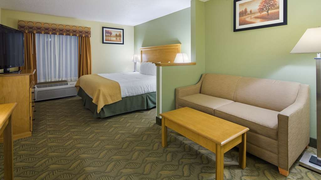 Best Western Crossroads Inn - Suite