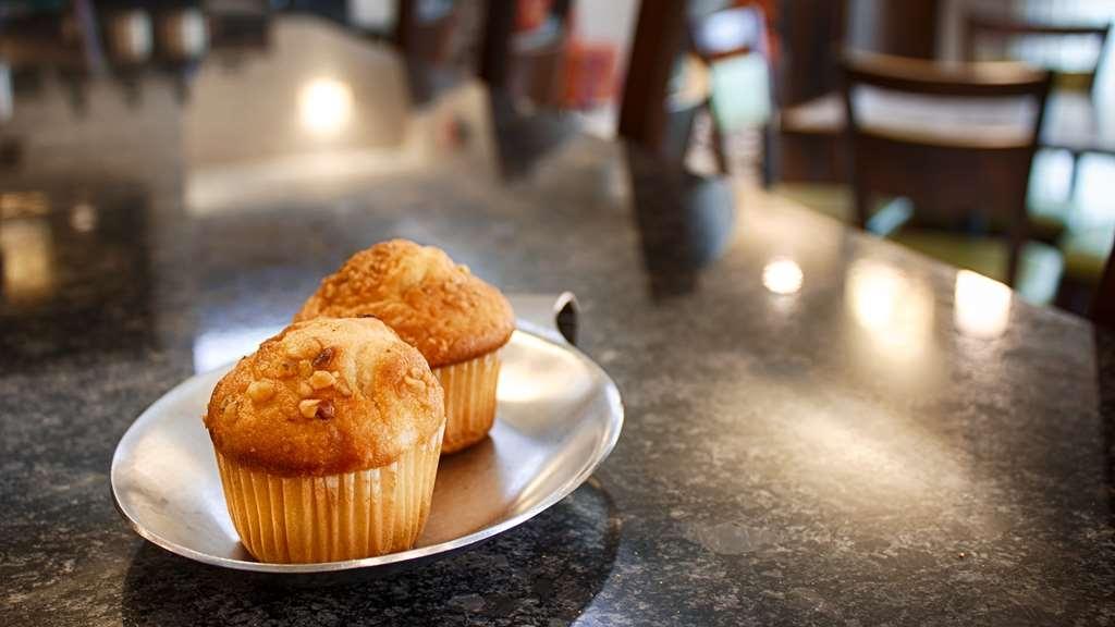 Best Western Inn & Suites - Breakfast