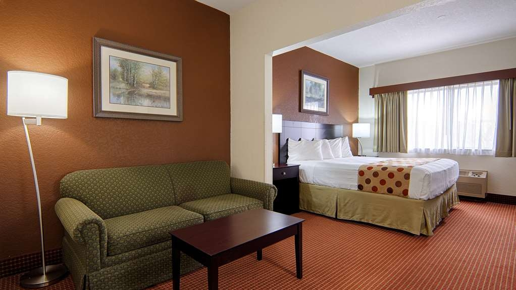 Best Western Kendallville Inn - King Suites with Sofa Bed