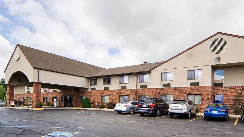 Best Western Kendallville Inn - Welcome to the Best Western Kendallville Inn! Conveniently located on IN-6, with on-site lounge and restaurants within walking distance.