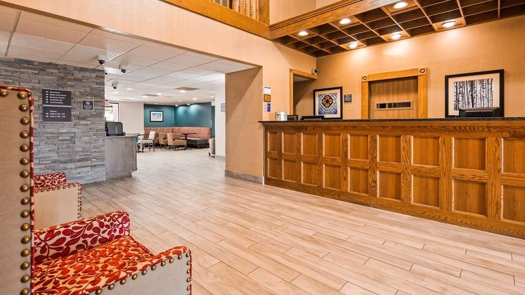 Best Western Kendallville Inn - Vista del vestíbulo
