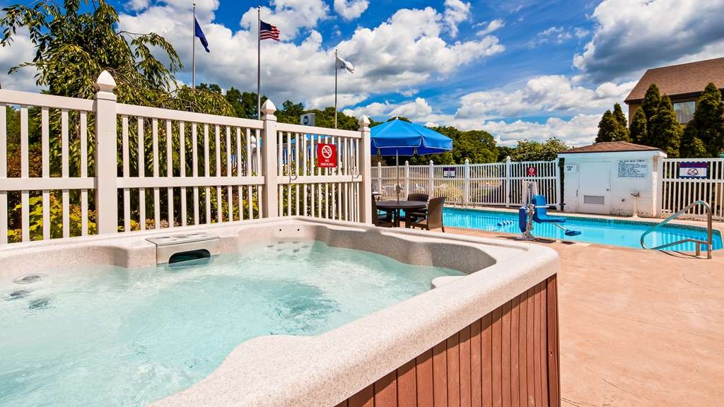 Best Western Kendallville Inn - Piscina