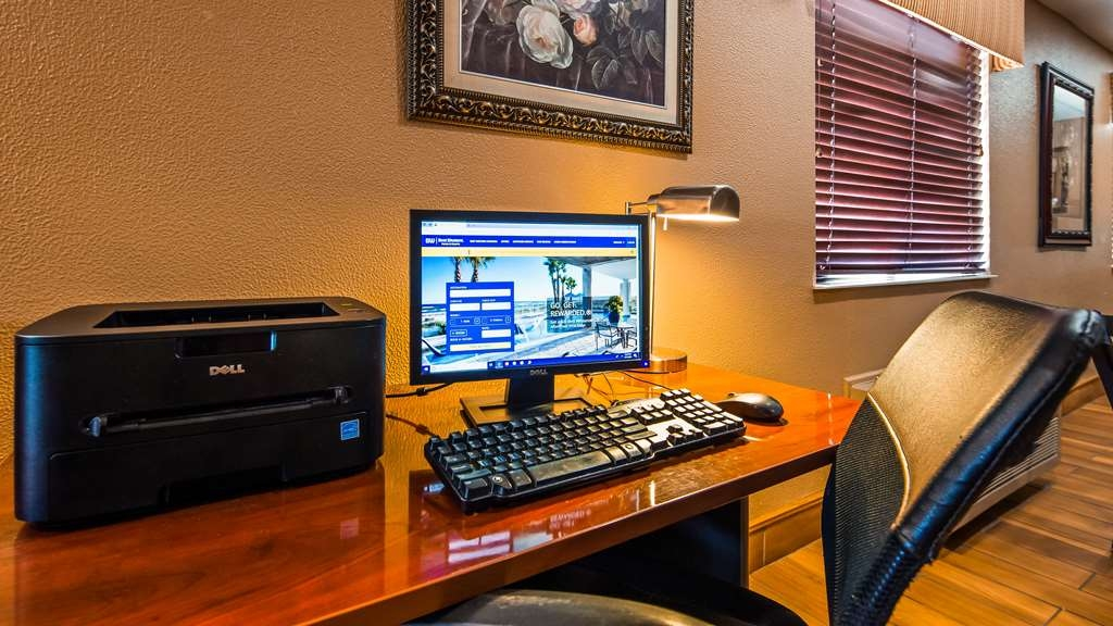 Best Western Muncie - Business Center