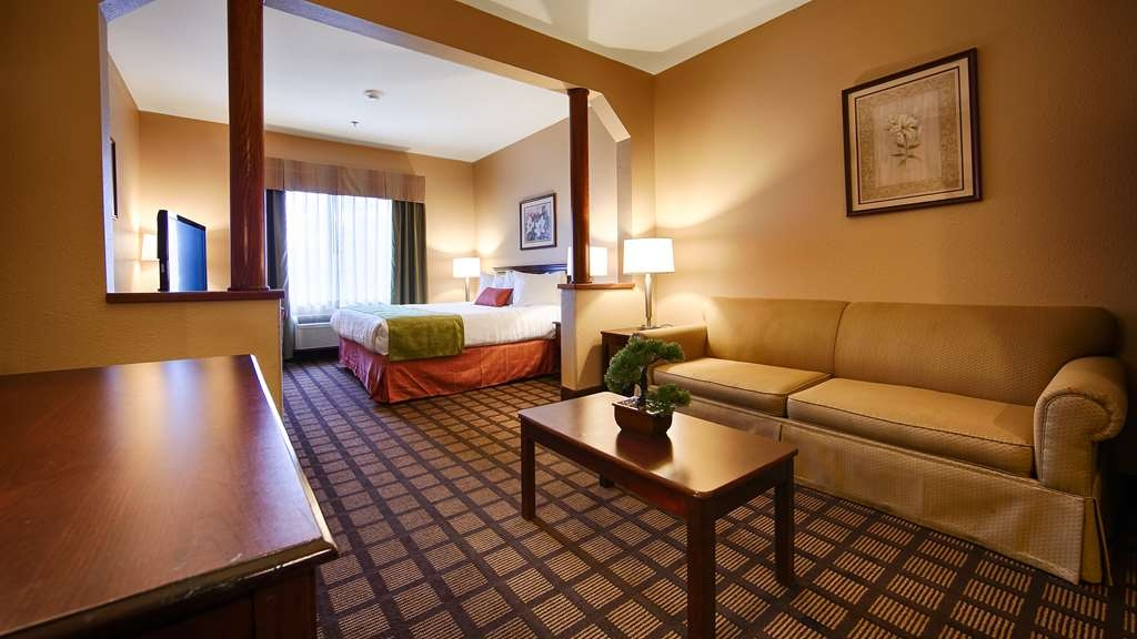 Best Western Inn & Suites of Merrillville - Our spacious king suite has all the comforts of home at your fingertips.
