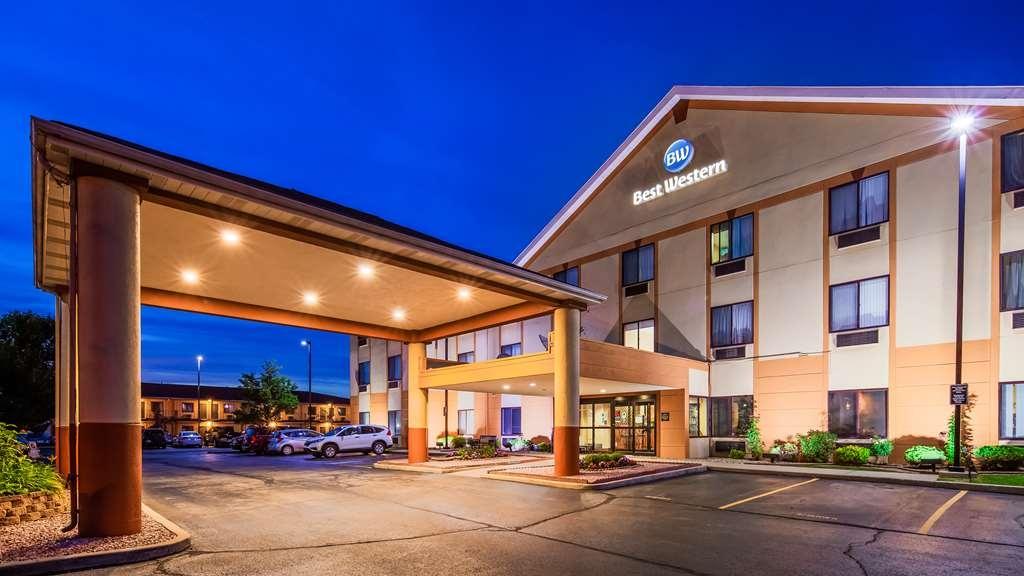 Best Western Inn & Suites of Merrillville - Façade