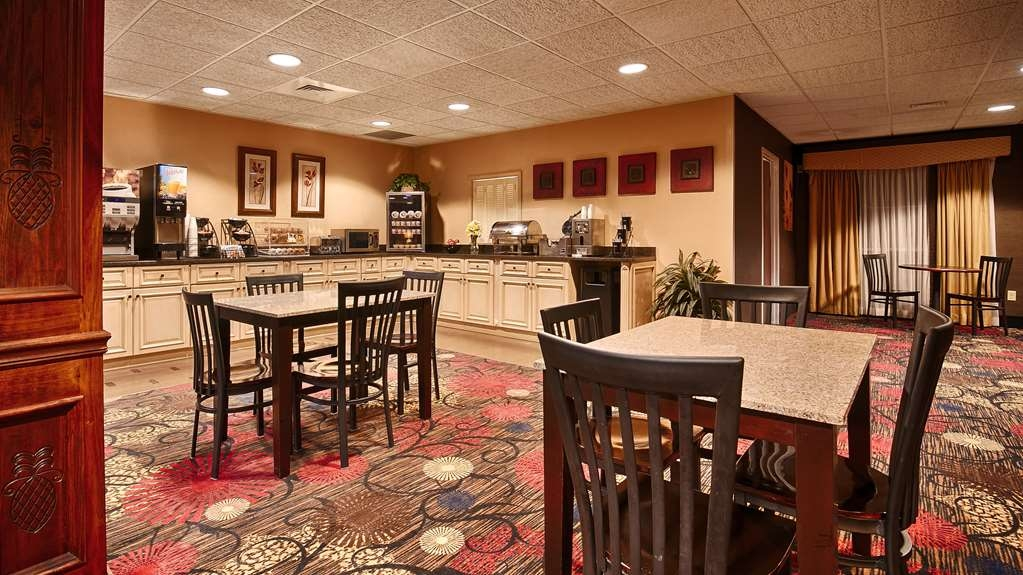 Best Western Plus Brandywine Inn & Suites - Prima colazione a buffet