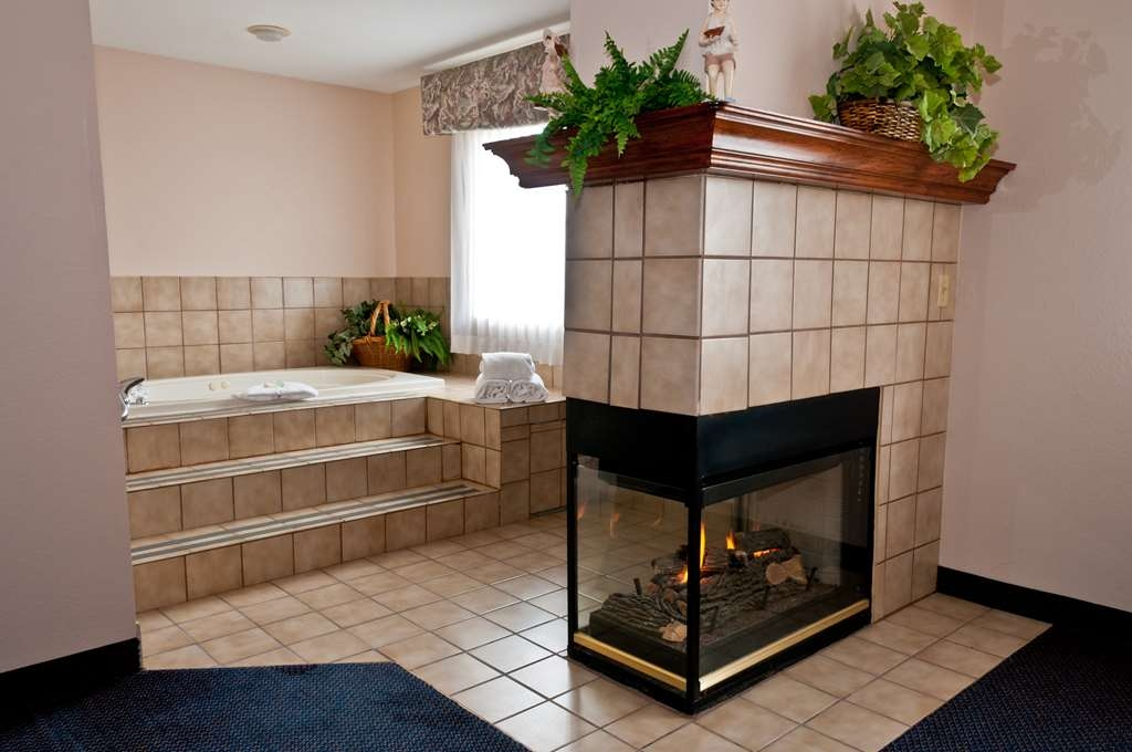 Best Western Plus Brandywine Inn & Suites - whilrpool