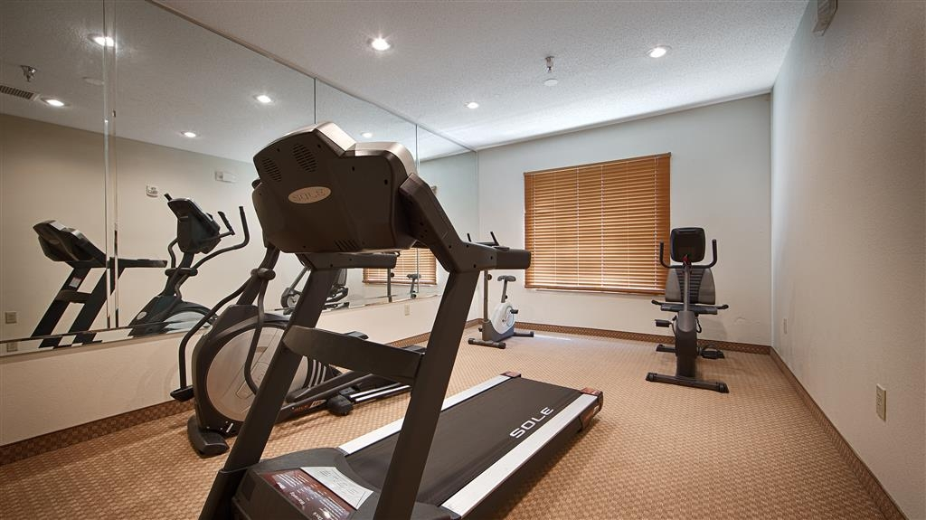 Best Western Airport Suites - exercise chambre