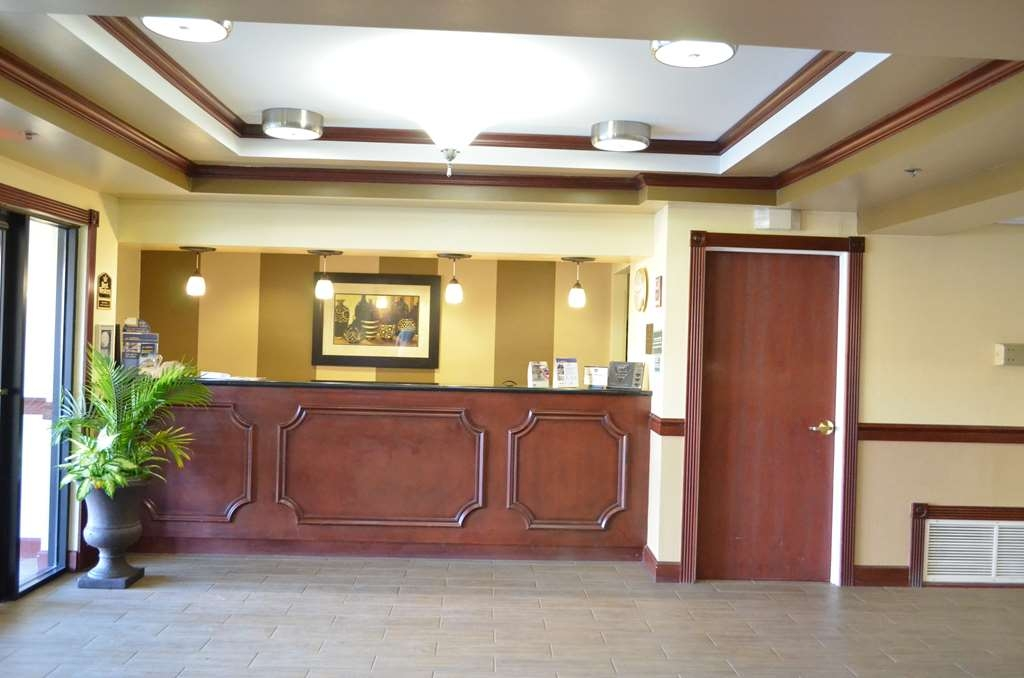 Best Western Airport Suites - empfang