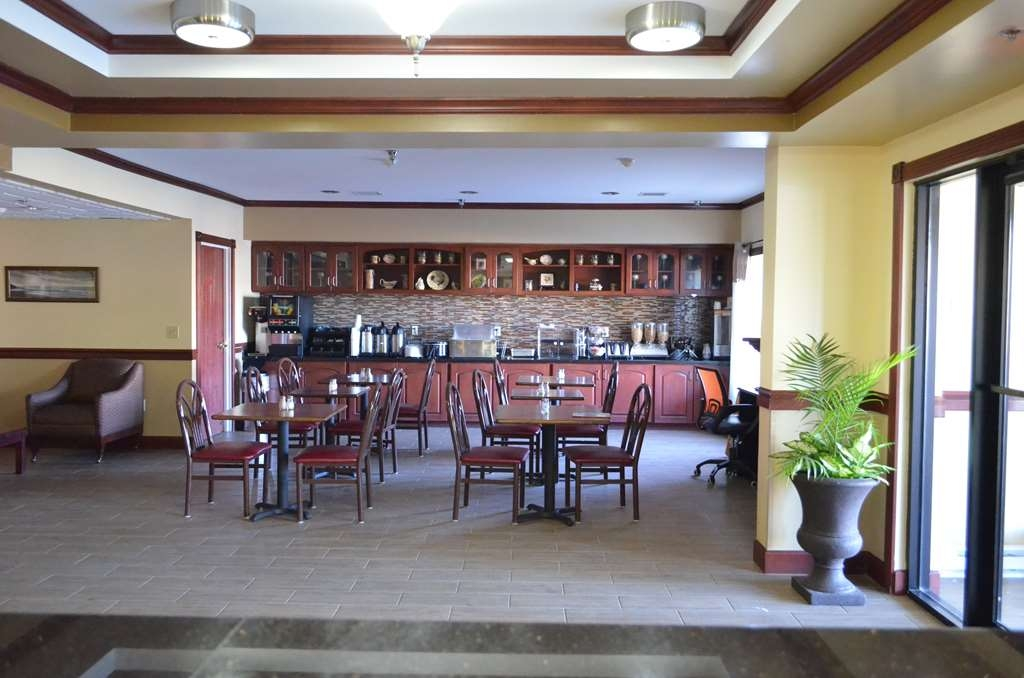 Best Western Airport Suites - Zona de desayunos
