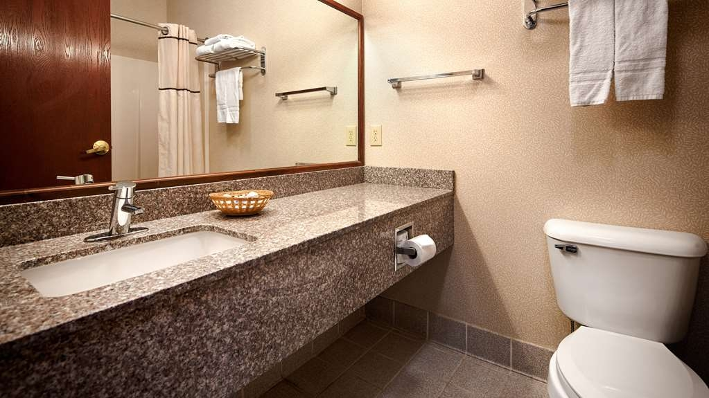 Best Western Airport Suites - Baño