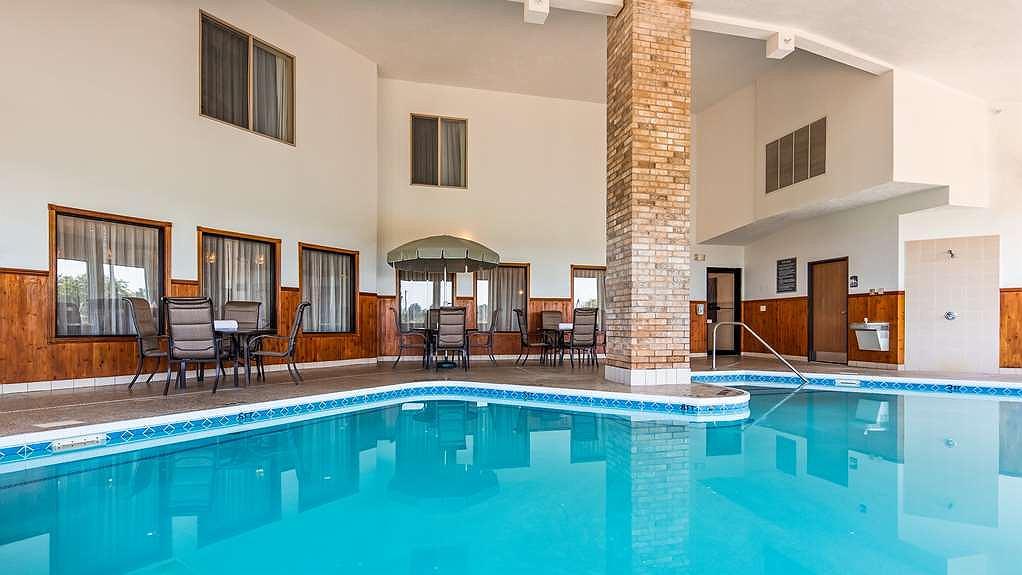 Hotel a Howe | Best Western Plus Howe Inn