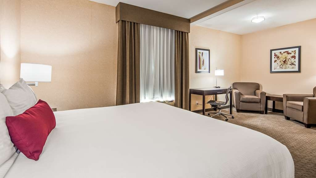 Best Western Plus Howe Inn - Suite