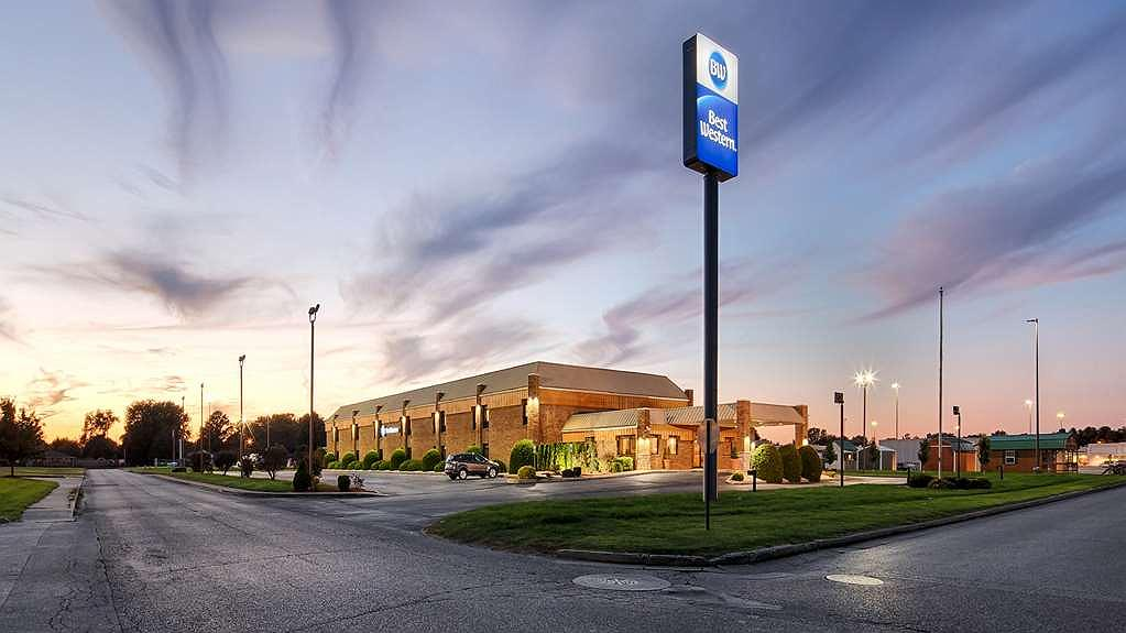 Best Western Martinsville Inn - Area esterna